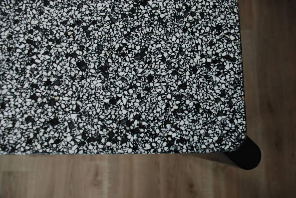 Tisch 'Granito' in grau/schwarz, Jean Prouve 1945